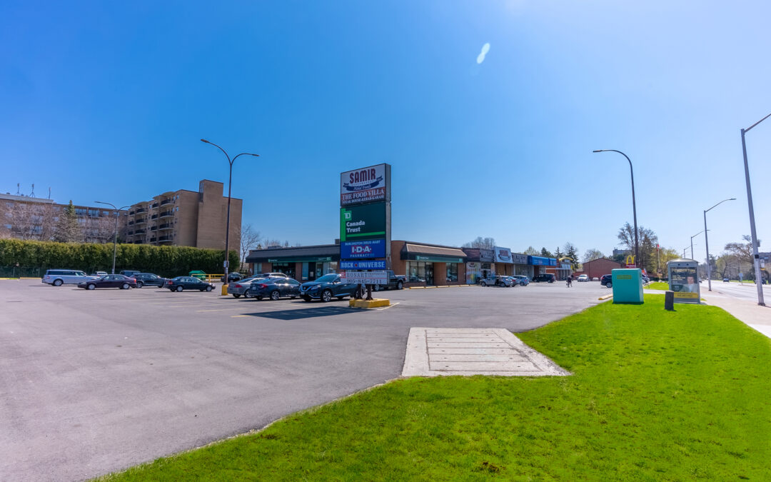 Guelph Line Plaza